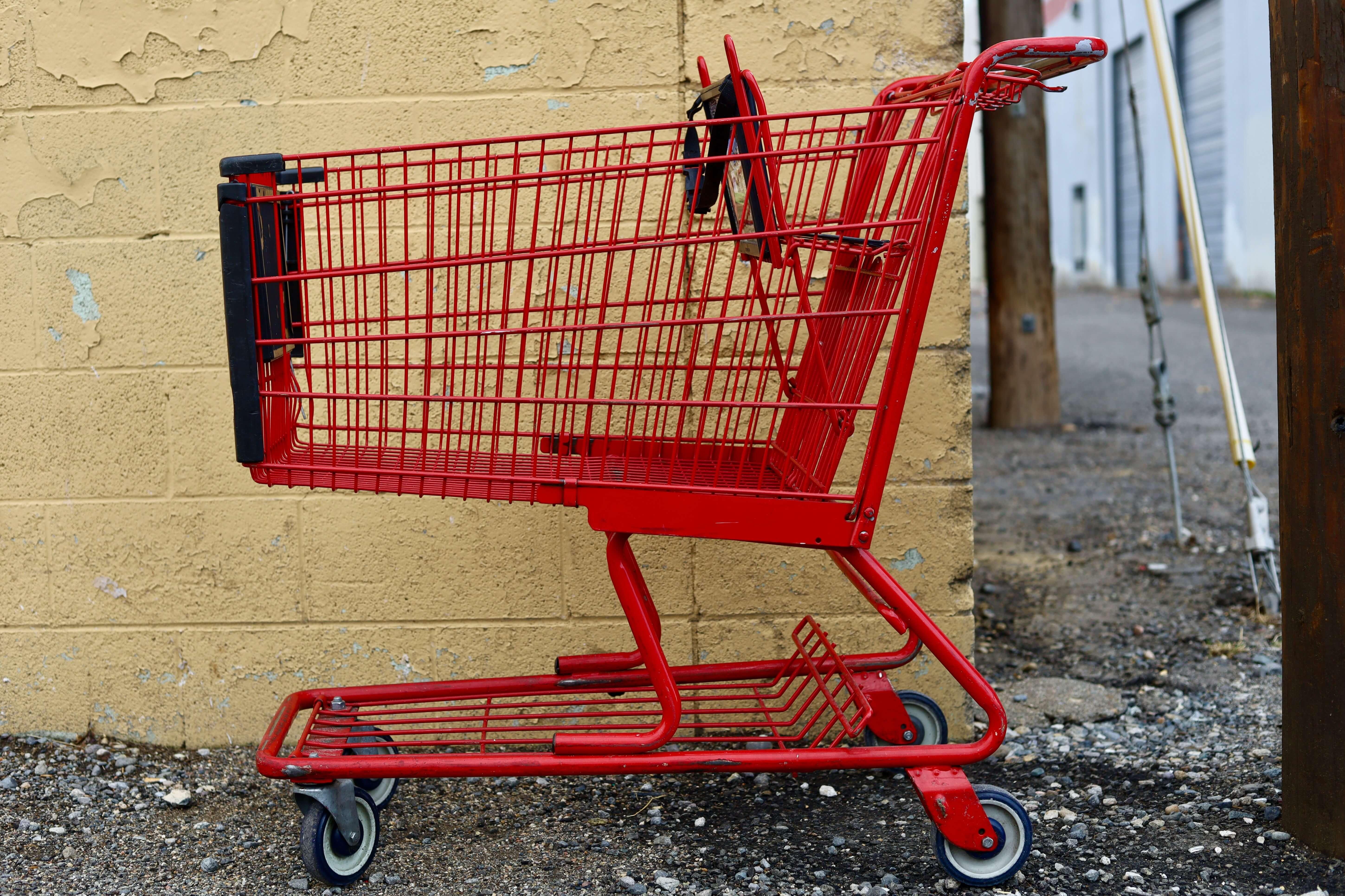 Einkaufswagen rot